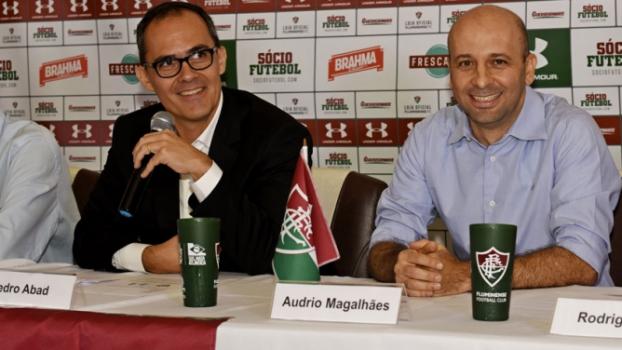 1ce44451f62 Coletiva Fluminense - Pedro Abad faz o anuncio da Under Armour como  fornecedora do material esportivo