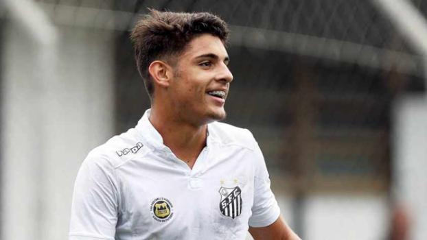 44adb98fe5 Atacante da base do Santos já superou Diego e é alvo do United