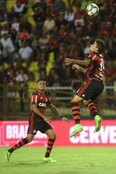 Flamengo passa pelo Bangu e garante vaga e vantagem na semifinal do Carioca