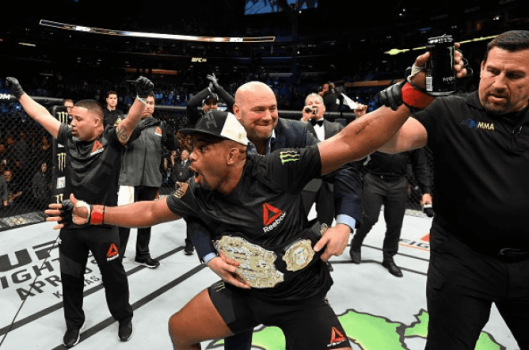 Daniel Cormier venceu Anthony Johnson no UFC 210