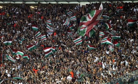 Torcida do Fluminense no Maracanã bde98c246c28d