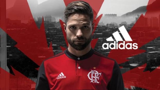 Flamengo lança novo uniforme para a temporada. Confira as fotos ... 4cbdacd9682f0