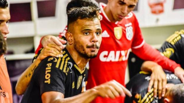Acerto financeiro e burocracia adiam ida de Fernando Bob ao São Paulo