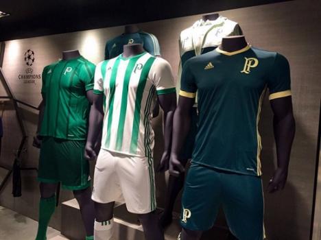 Nova linha de uniformes do Palmeiras (Foto  Reprodução) 77643df5b40c7
