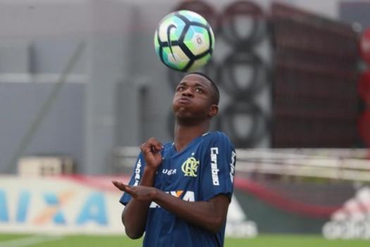 Ederson dá conselhos para Vinicius Jr e elogia a joia: Tem muito talento