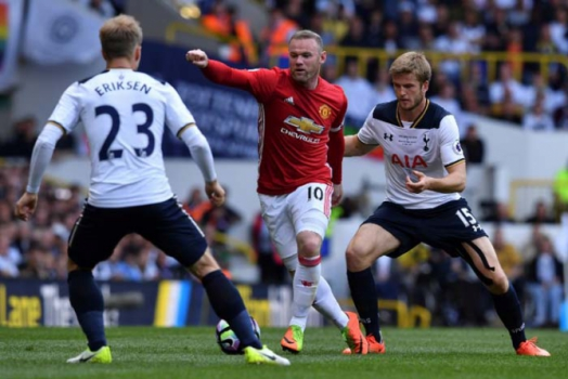 Tottenham vence o United na despedida de estádio