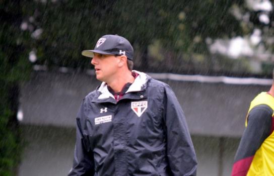 Ceni comanda treino na chuva