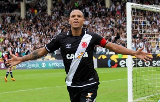 Luis Fabiano traça meta de gols com a camisa do Vasco na temporada