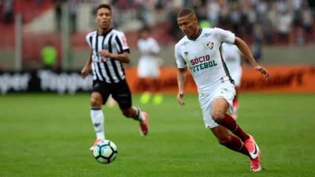 Dourado Brilha Richarlison Marca E Flu Bate Atletico Mg Dentro Do Horto Lance