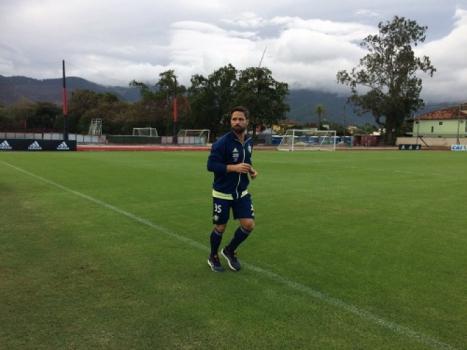 Recuperando-se de lesão, Diego deve voltar ao Flamengo contra o Botafogo