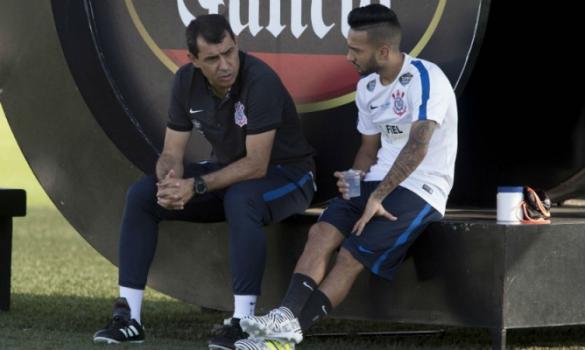 Corinthians busca melhorar produção ofensiva, e Clayson já vira alternativa