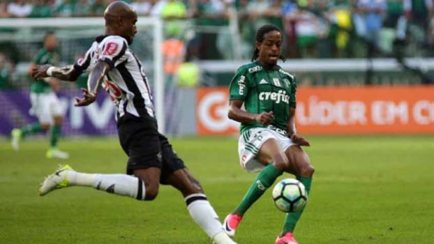 Vanderlei brilha de novo, Kayke marca e Santos bate o Palmeiras