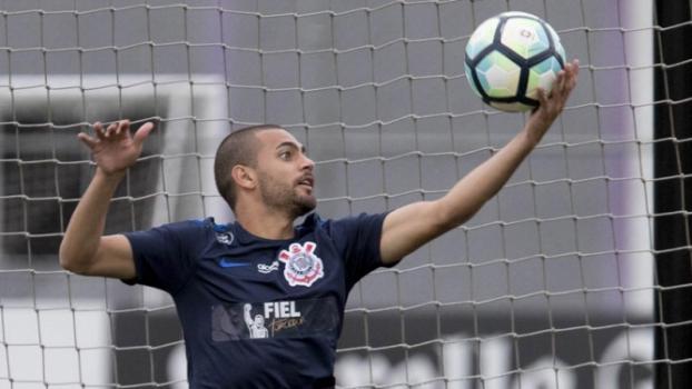 Balbuena e Romero treinam entre os titulares e reforçam Corinthians