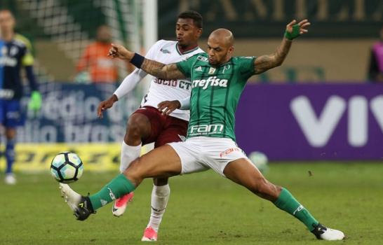 Conmebol reduz pena de Felipe Melo de seis para três jogos