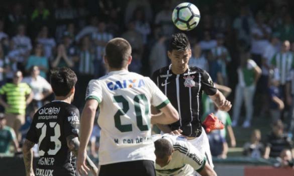 Balbuena promete foco, mas confirma proposta de italianos ao Corinthians