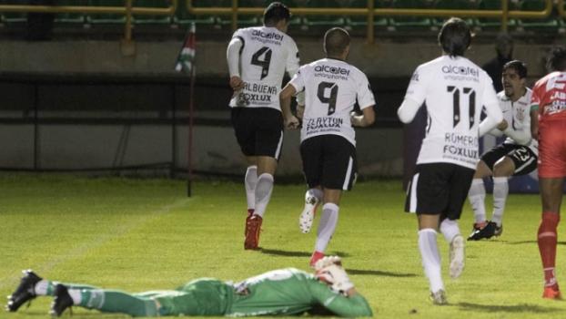 Não perde nunca! Balbuena faz no fim, e Corinthians arranca empate