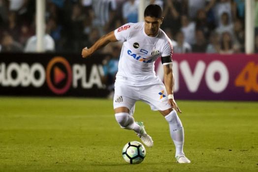 Renato pode ser desfalque do Santos contra Atlético-MG