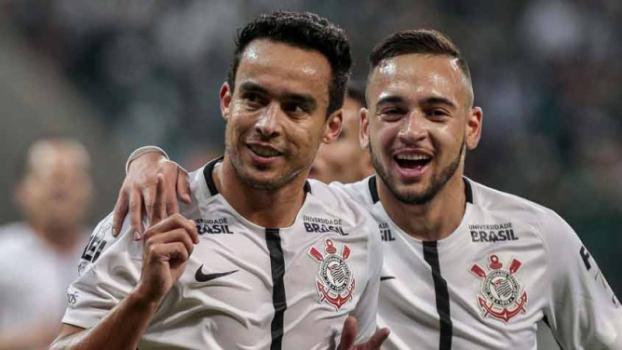 7a076d875b As dúvidas sobre o estado físico de Jadson aos 33 anos e de volta ao  Corinthians depois de uma temporada inteira jogando na China já viraram  coisa do ...