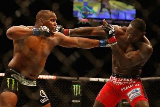 Daniel Cormier finalizou Anthony Johnson no UFC 187