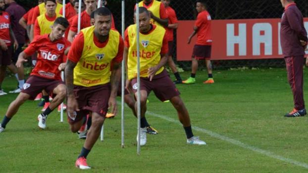 Com dores no joelho, Wellington Nem pode desfalcar São Paulo