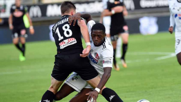 Amiens 0 x 2 Angers