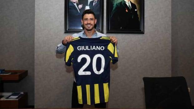 Fenerbahçe e Zenit em negociações por Giuliano — Mercado