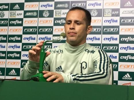 Sem criatividade, Palmeiras perde para Chapecoense em casa