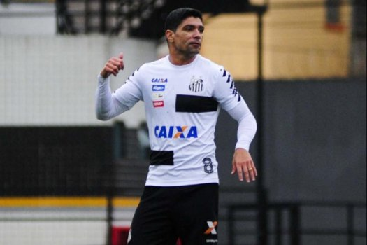 Jogadores intervêm e impedem demissão de Levir Culpi no Santos