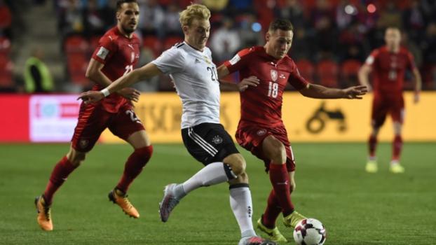 Alemanha fica a um empate da Copa 2018