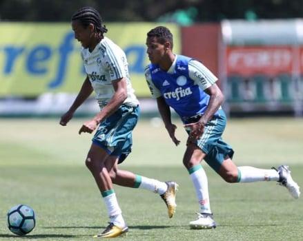 Por jogo contra o Coritiba, Cuca comanda treinamento no Pacaembu