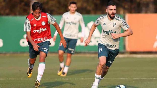 Cuca confirma Juninho e Willian como titulares do Palmeiras no domingo