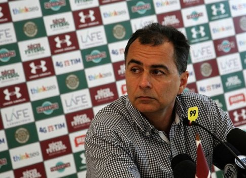 Dirigente do Fluminense faz comparação e chama Atlético de time pequeno