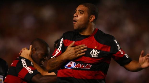 Flamengo 2x0 Fluminense - 4/10/2009 (comemoração de gol de Adriano)