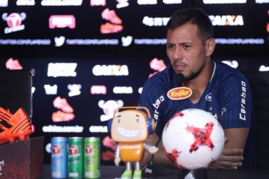 Rueda confirma Guerrero fora e Vinicius Jr relacionado para Fla-Flu