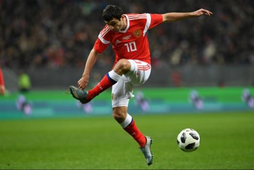 Alan Dzagoev, meia do CSKA Moscou, terá a missão de ajudar a anfitriã Rússia a fazer bonito