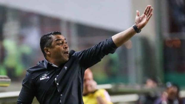 Sondado pelo Inter, Roger Machado é oficializado pelo Palmeiras