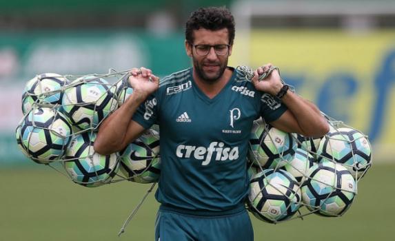 Alberto Valentim se despede da função de técnico neste domingo. Jogadores  ... 25d6ddbeed87f