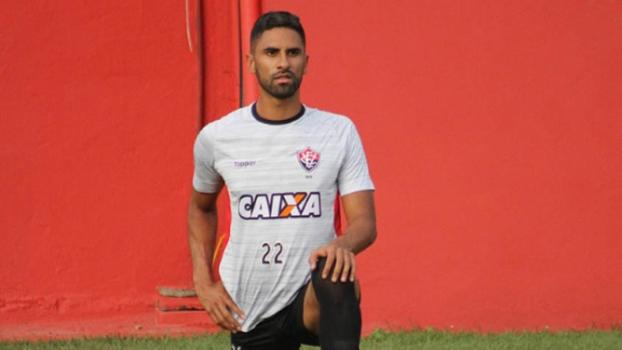 5d8054017c Dinheiro e atletas  a proposta do Corinthians ao Vitória por Tréllez ...