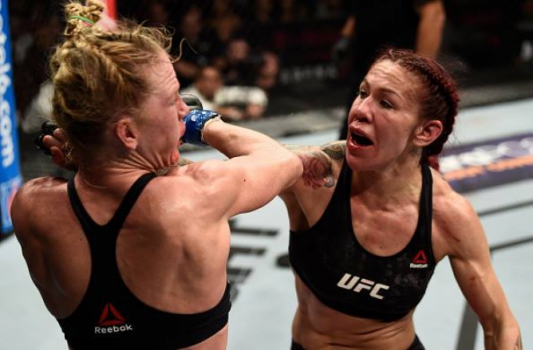 Cris Cyborg e Holly Holm