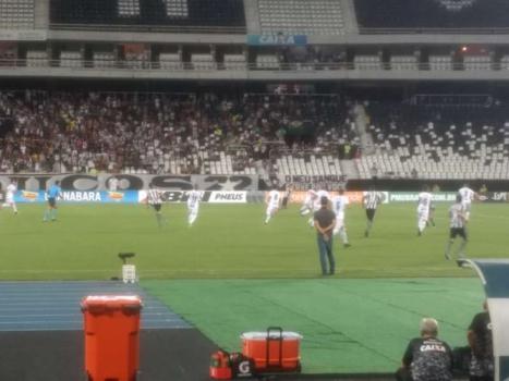 Jefferson admite falha no segundo gol da Portuguesa-RJ