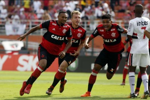 ATUAÇÕES  Goleiro Yago para o São Paulo e se torna herói de título ... 1aecf55db1f86