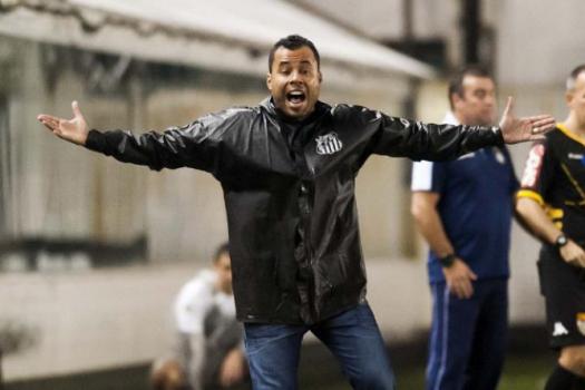 Santos treina sem Renato e com Copete para enfrentar o São Caetano