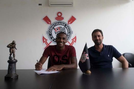 Corinthians anuncia a contratação do zagueiro Marllon, ex-Ponte
