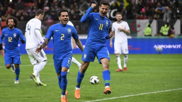 Brasil  acorda  no segundo tempo e goleia Rússia antes de teste de ... ff47f51f7c992