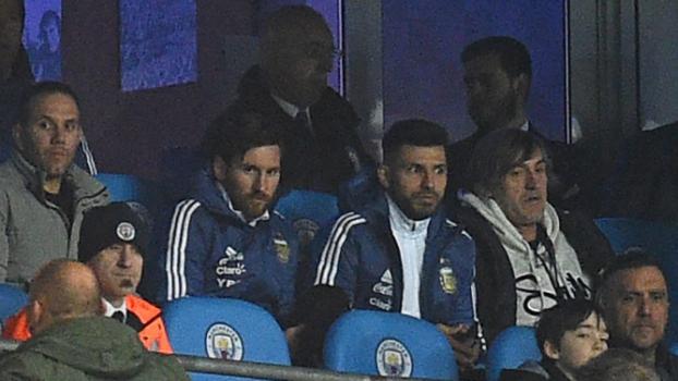 a272615a84 Argentina x Itália. Camisa da Itália com homenagem a Davide Astori