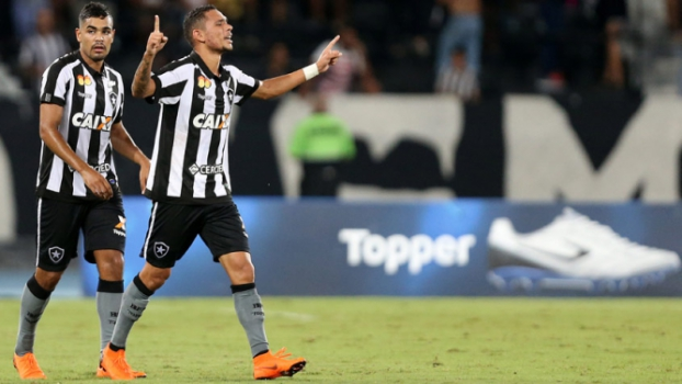 ae4d6293554a9 Mística camisa 7 do Botafogo é a mais rodada no elenco em 2018