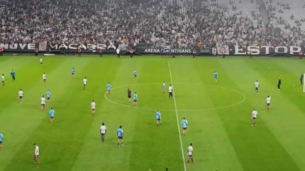 Torcida do Corinthians - treino aberto