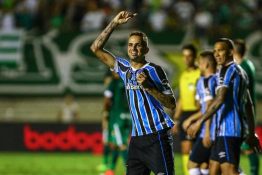 Grêmio conta com pintura de Everton para bater o Goiás no Serra Dourada