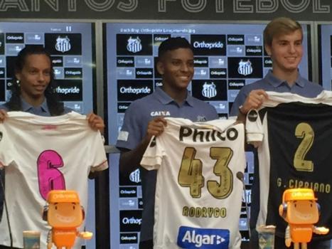 Santos anuncia patrocínio no número de sua camisa até o fim de 2020 ... 0de1a0bc88606