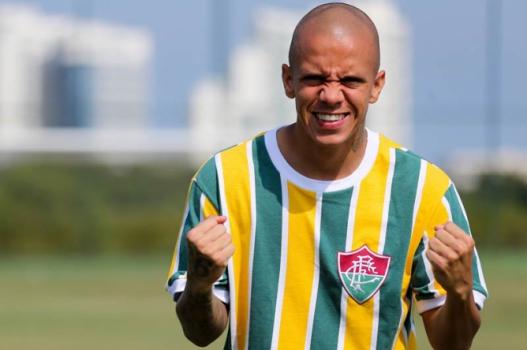 14900c2212bc9 Especial para a Copa! Fluminense lança camisa inspirada na Seleção ...